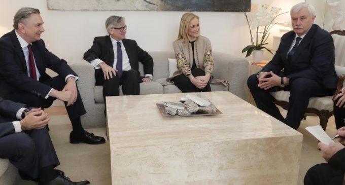 Cifuentes recibe al gobernador de San Petersburgo y al embajador de la Federación de Rusia en España