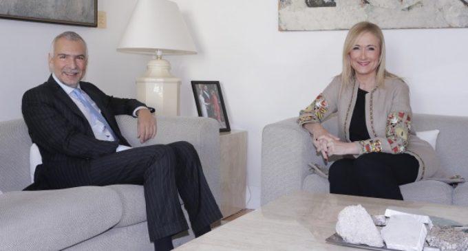 En la Real Casa de Correos, sede de la Presidencia regional, Cifuentes se reúne con el embajador de Italia