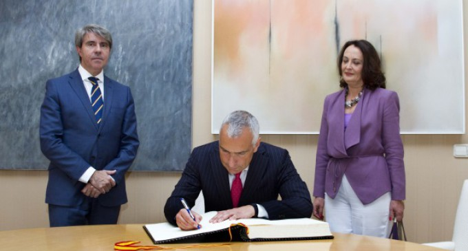 Garrido recibe al nuevo embajador de Italia en España Stefano Sannino
