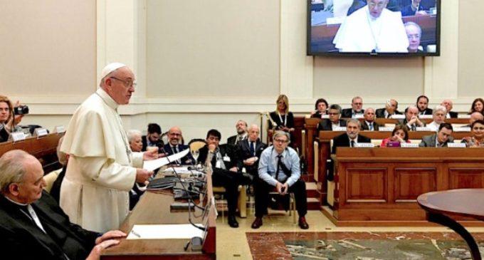 El Papa en la Academia de las Ciencias reitera que el acceso al agua potable es un derecho humano básico