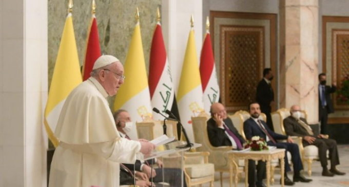 El Papa a las autoridades: Que callen las armas y se dé voz a los artesanos de paz