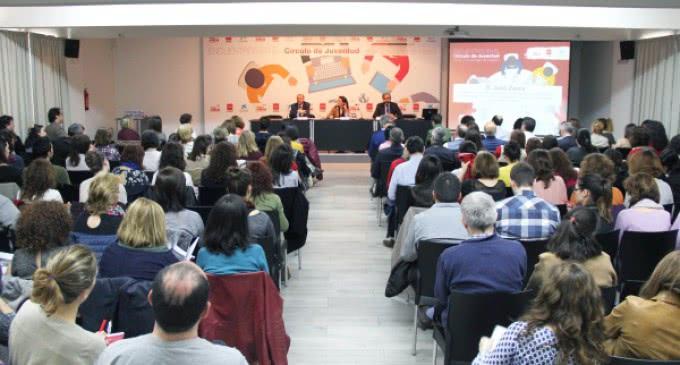 Encuentros para informar sobre temas de actualidad en la jornada 'Jóvenes y Salud mental'