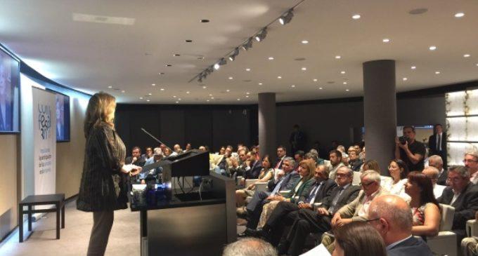 Engracia Hidalgo recibe un reconocimiento por su impulso a la economía social