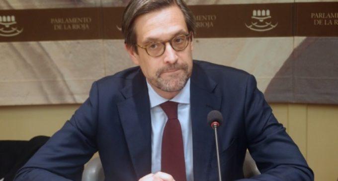El presidente del Comité Bioética de España: «El envejecimiento de la población es una bomba de relojería»