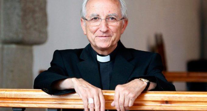 Carta del obispo de Ávila: ¿Es compatible el yoga con la fe cristiana?