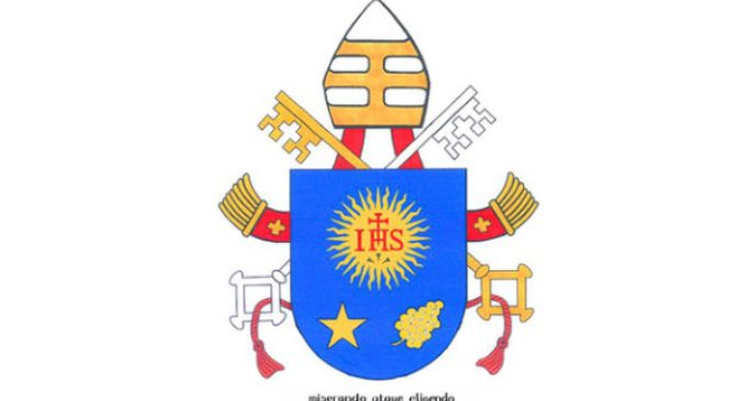 El Vaticano emite la medalla oficial del cuarto año de pontificado de Francisco