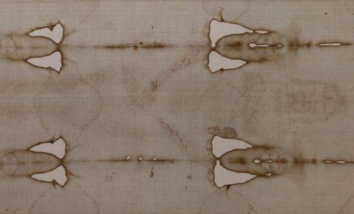 Expertos en la Sábana Santa desmienten que sea una simple «mancha de pintura medieval»