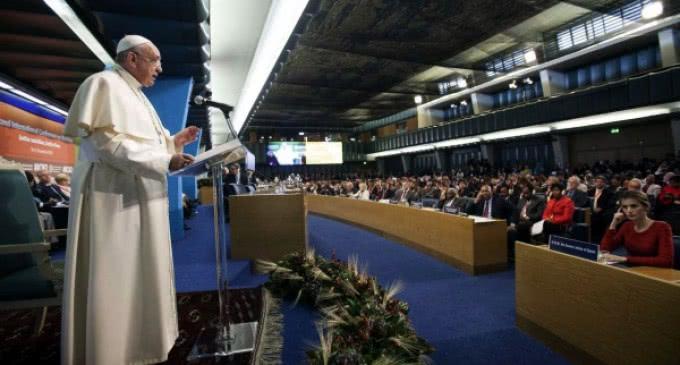 El Papa en la Conferencia sobre Nutrición de la FAO: »Los hambrientos piden dignidad, no limosna»