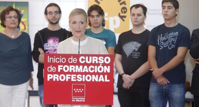 Cristina Cifuentes inaugura el primer curso de Formación Profesional con enseñanza bilingüe