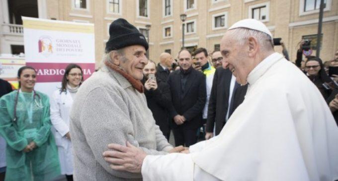 Jornada de los pobres: Visita sorpresa del Papa al centro de solidaridad