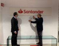 La Comunidad entrega el sello Garantía Madrid al Banco Santander por sus buenas prácticas frente al COVID-19
