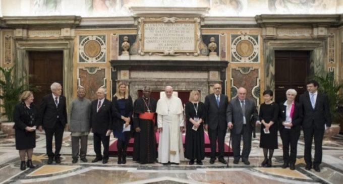"""Llamamiento del Papa Francisco a rechazar la """"cultura del descarte"""""""