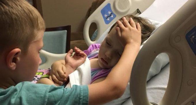 La foto con la que un niño se despide de su hermana: «Llegó el milagro: está en los brazos de Jesús»