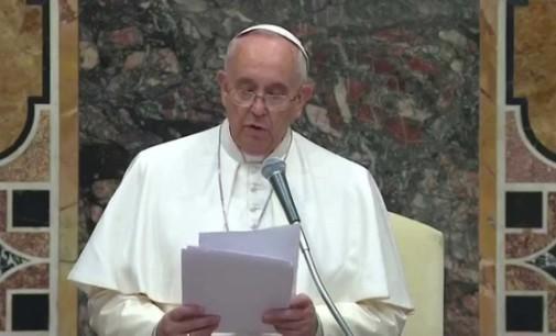 La Santa Sede no dejará nunca de trabajar para que la voz de la paz llegue hasta los extremos de la tierra