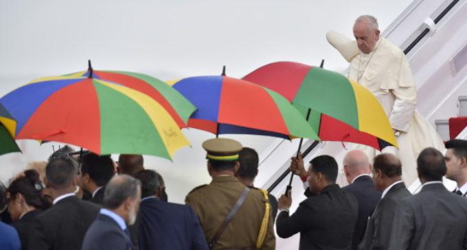 Francisco llega a Mauricio, país con mayoría hinduista y libertad religiosa plena