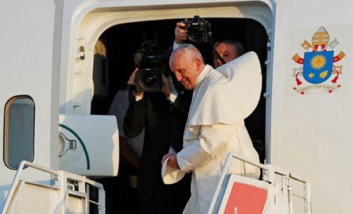 Francisco, ya en Roma, «con el corazón rejuvenecido» y «contagiado de la fe y la esperanza de los jóvenes»