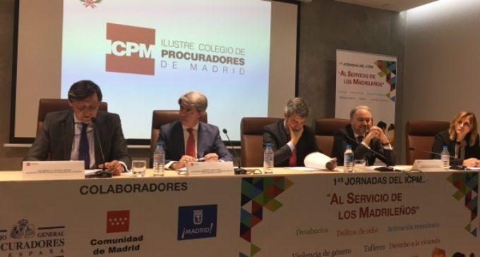 Garrido destaca el papel de los procuradores como garantes del ciudadano en los procesos judiciales