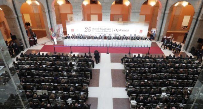 Garrido destaca la contribución de los abogados en la defensa de la Constitución y el modelo de convivencia