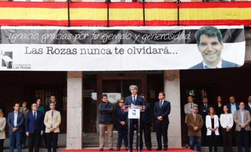 Garrido en el homenaje a Ignacio Echeverría, organizado por el Ayuntamiento de Las Rozas