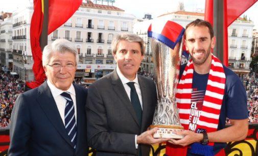 Garrido felicita a un Atlético de Madrid campeón, tras proclamarse ganador de la Europa League y de la Liga Femenina