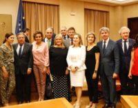 Garrido muestra el apoyo total de la Comunidad de Madrid a las víctimas del terrorismo