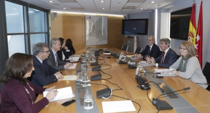 Garrido se reúne con el fiscal superior de la Comunidad en la Comisión de coordinación