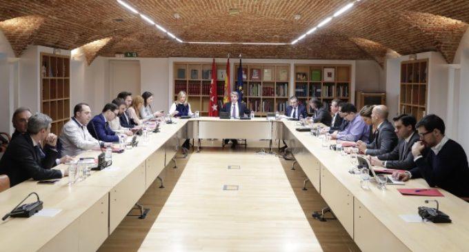 Garrido se reúne con los principales representantes del sector de las VTC