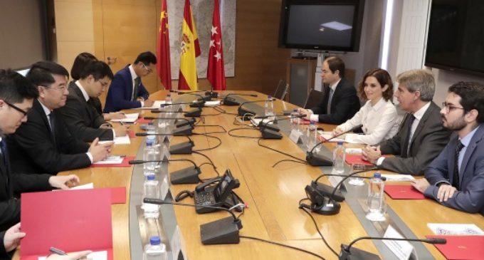 Garrido se reúne con una delegación de China para impulsar la cooperación comercial y educativa