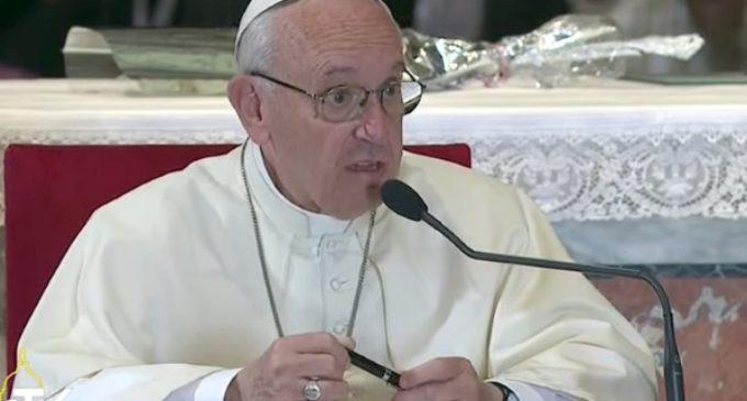 Atentado de Barcelona: oración y cercanía del Papa Francisco