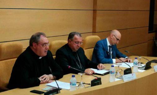 La Conferencia Episcopal lamenta que el Gobierno busque agitar «los viejos fantasmas del anticlericalismo»