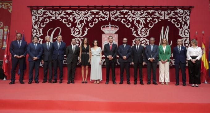 """Isabel Díaz Ayuso en la ceremonia de toma de posesión del nuevo Gobierno regional : """"Somos un único equipo"""""""