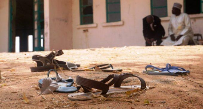 El Gobierno nigeriano confirma el secuestro de 110 niñas tras el ataque de Boko Haram a su escuela