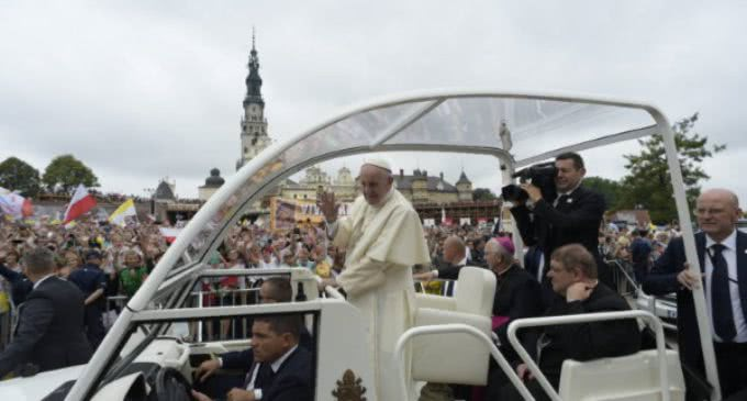 El presidente de los obispos polacos da las gracias al Papa por su visita