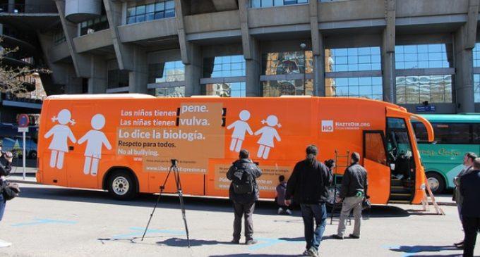 El nuevo #ElBusDeLaLibertad de HazteOir.org parte para Barcelona