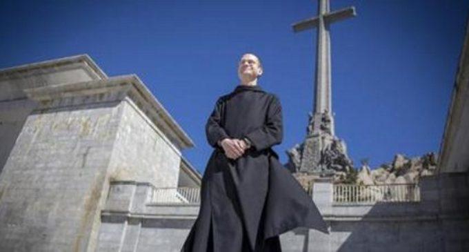"""Hazte Oír: """"La profanación de la basílica del Valle de los Caídos y de la tumba de Franco muestra el talante de Pedro Sánchez"""""""