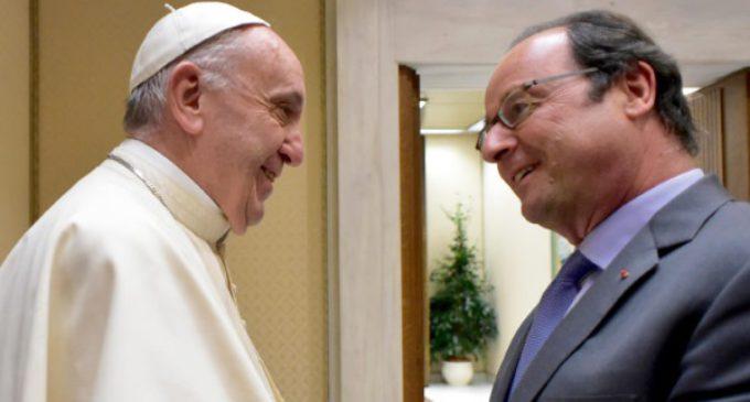 Encuentro entre Francisco y Hollande, tras el asesinato del sacerdote en Normandía