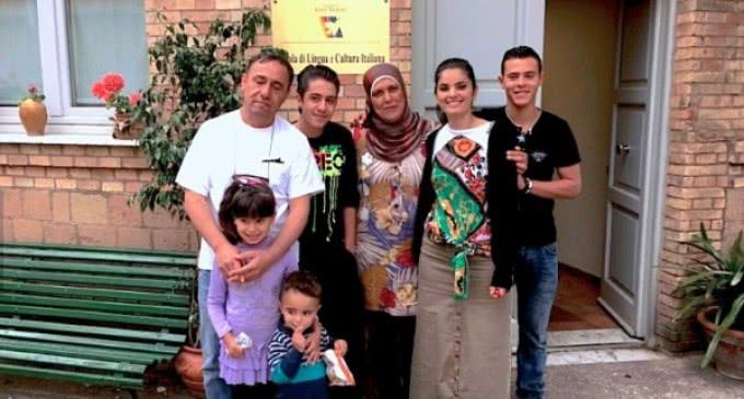 """Familia Alshakarji: """"Huimos de la muerte y el Papa ha sido un ángel que nos ha salvado"""""""