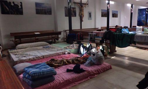 La Iglesia de Madrid acoge a cinco familias de inmigrantes desalojadas del Samur Social
