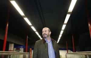 ROLLÁN VISITA UNA DE LAS ESTACIONES BENEFICIADAS POR LA 2ª FASE DE DEL PLAN DE EFICIENCIA ENERGÉTICA METRO DE MADRID El consejero de Transportes, Vivienda e Infraestructuras de la Comunidad de Madrid, Pedro Rollán, visita una de las estaciones beneficiadas por la 2ª fase del Plan de Eficiencia Energética de Metro de Madrid por el que se sustituirá la iluminación de todas las estaciones por tecnología LED  Lugar: Vestíbulo principal de la estación de Gregorio Marañón Foto: D.Sinova / Comunidad de Madrid