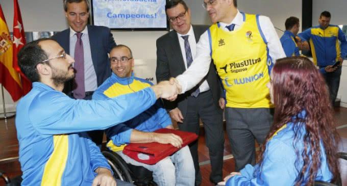 Rafael van Grieken recibe al CD ILUNION, ganador de la Copa del Rey de baloncesto en silla de ruedas