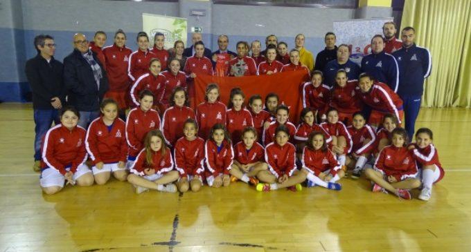 El gobierno regional reconoce la importante labor de los equipos deportivos femeninos