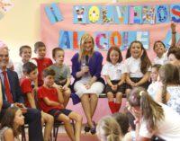 Cifuentes inaugura el curso escolar 2016/2017 con récord de becas y más profesores