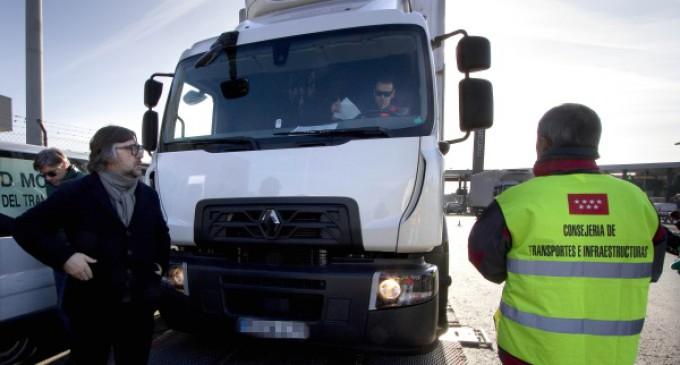 Casi 52.000 vehículos de transporte de mercancías fueron inspeccionados en Madrid durante 2015