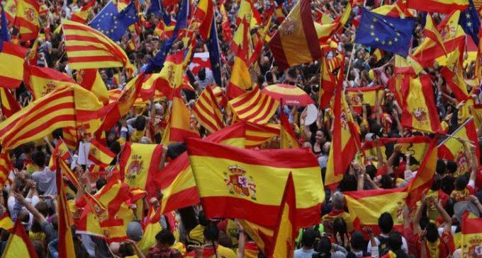 Intelectuales catalanes promueven Cristianos por la Convivencia para tender puentes