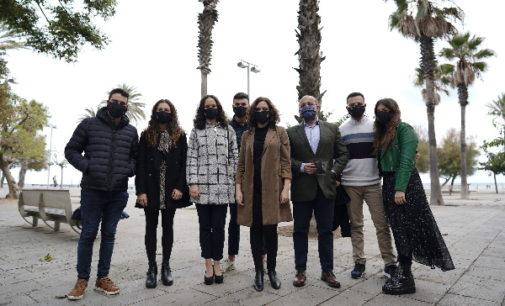 Díaz Ayuso invita a los jóvenes de S'ha Acabat! a reunirse en Madrid con universitarios para compartir proyectos basados en la libertad