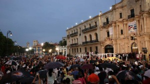HAB465. LA HABANA (CUBA), 20/09/2015.- El papa Francisco habla durante un encuentro con jÛvenes hoy, domingo 20 de septiembre de 2015, en el Centro Cultural Padre FÈlix Varela, en La Habana (Cuba). EFE/Orlando BarrÌa  CUBA PAPA