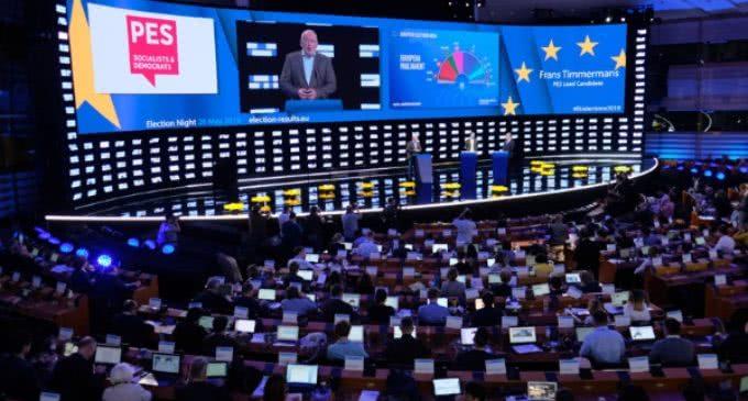 Hollerich: «Sin los llamamientos del Papa el resultado de las europeas habría sido peor»