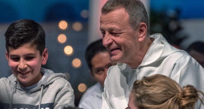 Hermano Alois, prior de Taizé: «Los jóvenes necesitan vivir la Iglesia como un lugar de amistad»