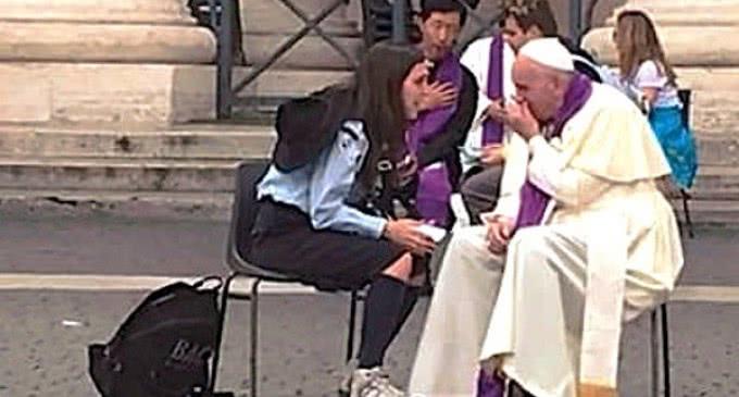 """Una joven scout: 'Me confesé con el Papa, sencillo como en la parroquia"""""""