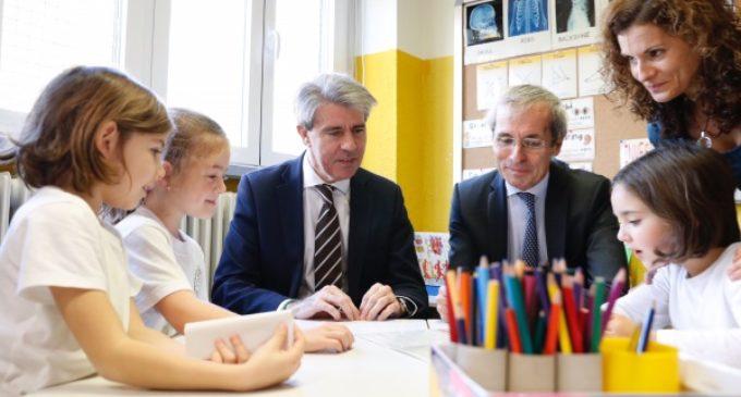 La Comunidad amplía de 2 a 22 los centros educativos públicos del programa trilingüe